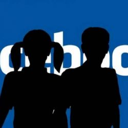 Facebook ancora sotto accusa: ha condiviso i dati degli utenti con 60 produttori di dispositivi